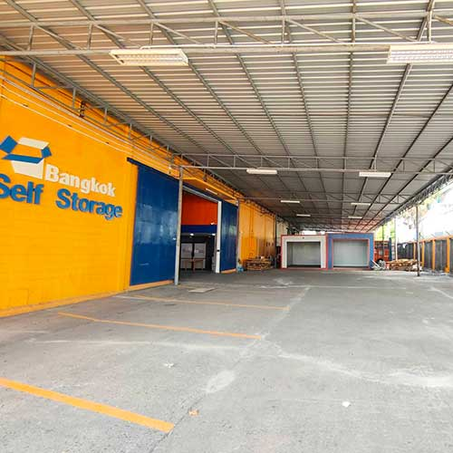photo-of-bangkok-self-storage-parking-small2