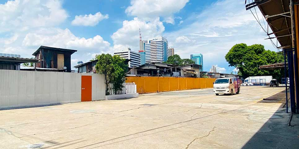 photo-of-bangkok-self-storage-parking-big5