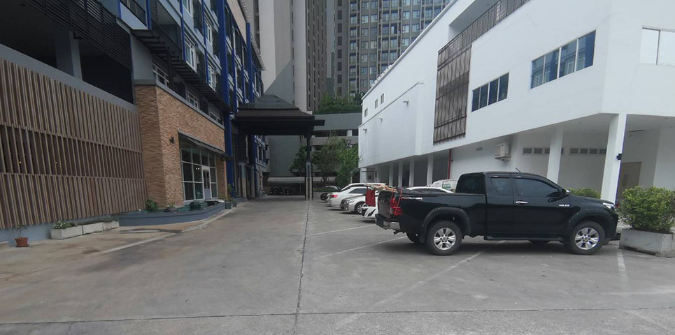 photo-of-Centara-Watergate-Pavillion-parking-big5