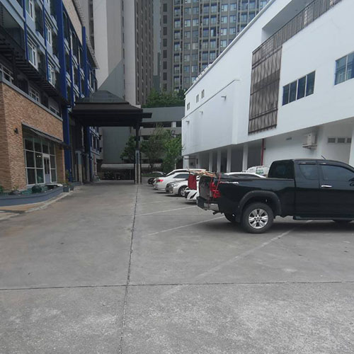 photo-of-Centara-Watergate-Pavillion-parking-small5